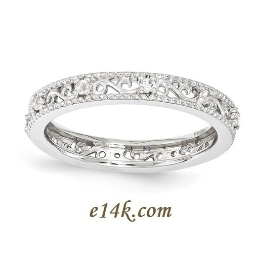 Gorgeous Vintage Sterling Silver and Cubic Zirconia Ring.